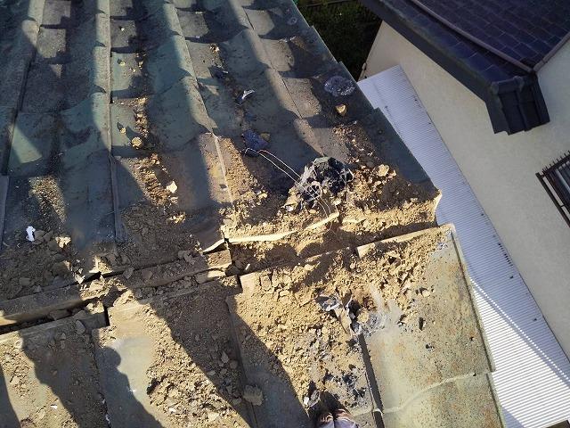 棟土台が無くなった屋根