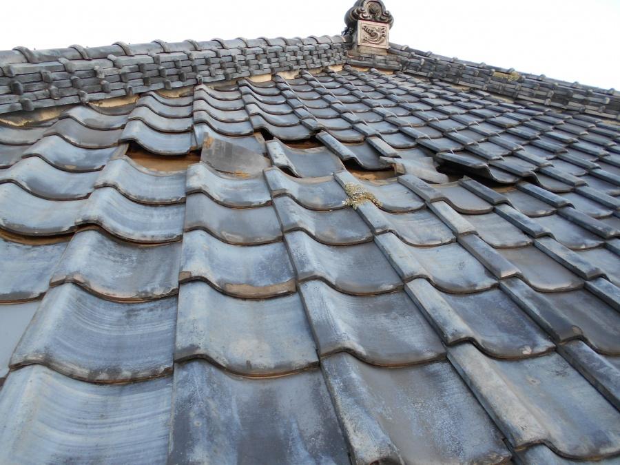 土浦市のS様宅から台風で屋根瓦に被害を受けて修理のご依頼です
