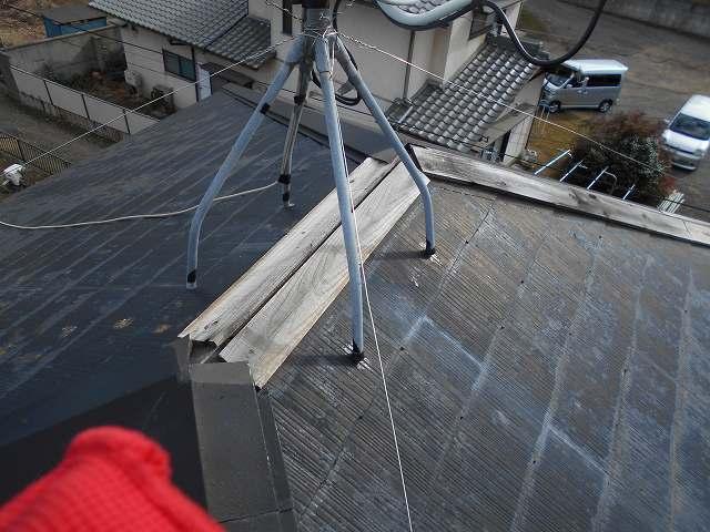 稲敷市で棟板金が飛散したH様邸の棟板金の補修工事を紹介します