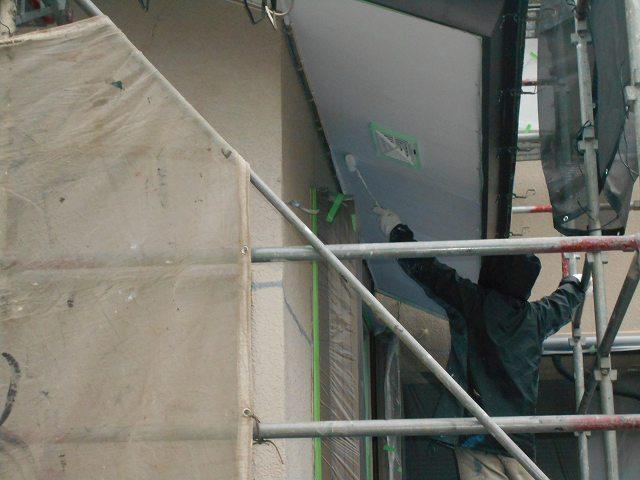 つくば市のM様邸で本日の工事は、最後の外壁の塗装工事にです。