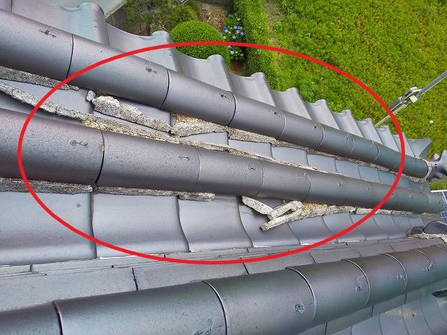 蔵屋根下り丸の漆喰剝がれ落ち