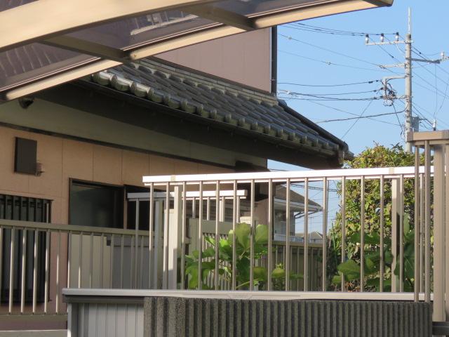 阿見町のH様から2階の増築で屋根が下がったので修理して下さい