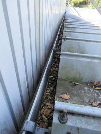 樋からの雨漏り1