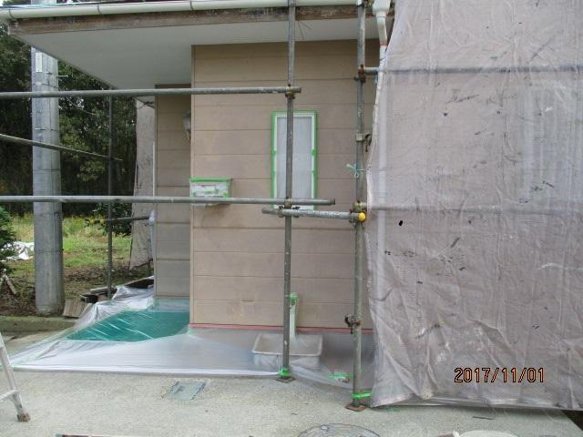 玄関口軒天塗装