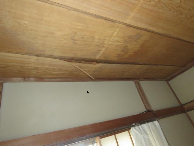 室内の天井被害1