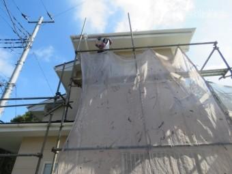 破風・雨樋塗装工事中