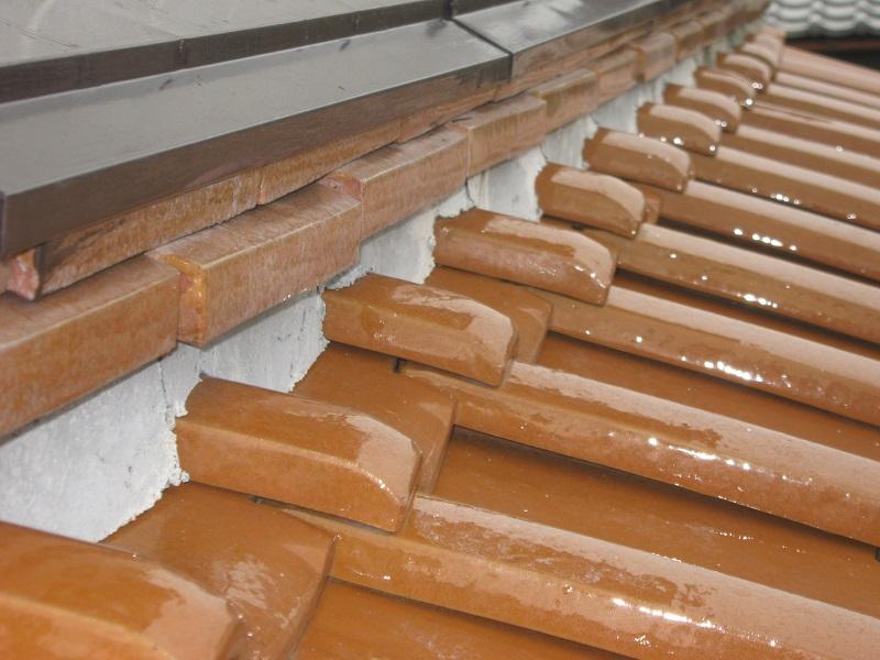 つくば市のS様のご依頼で雨樋・屋根瓦の調査でお伺いしました。