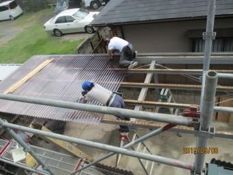 車庫用波板工事