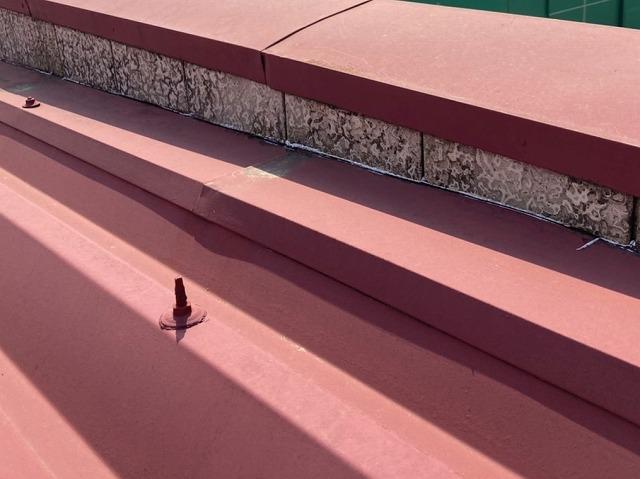 屋根材と壁接地面コーキングの劣化
