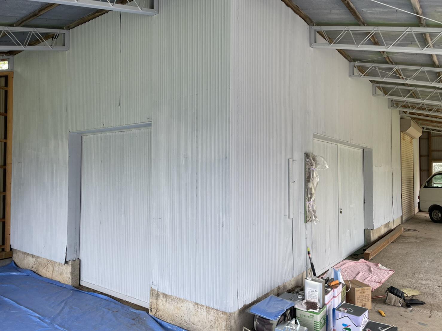 下塗り塗装 外壁板金の部分