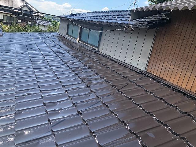 上塗り塗装 屋根板金 仕上がりの様子
