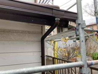 牛久市のK様宅角樋が逆流して居たので集水器を2箇所儲けました