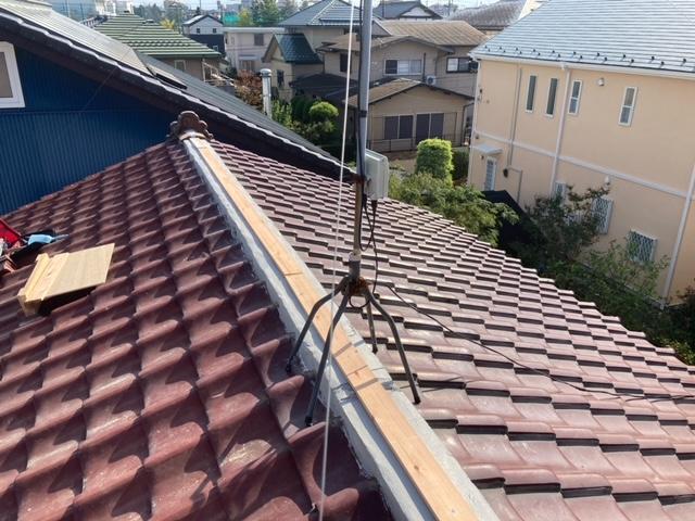 つくば市のN様の雨漏り工事は棟葺き替えと1階の外壁工事です。