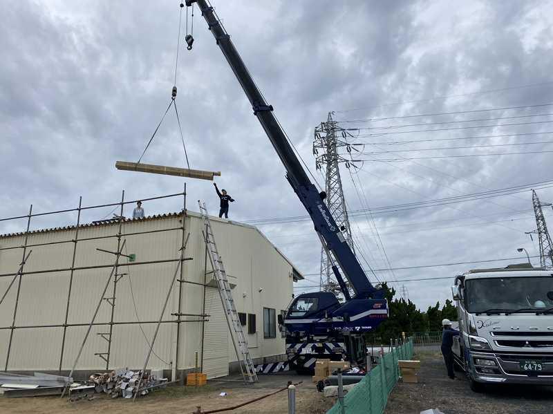 本日も神栖市のカバー工法による屋根葺き替え工事のご紹介です。